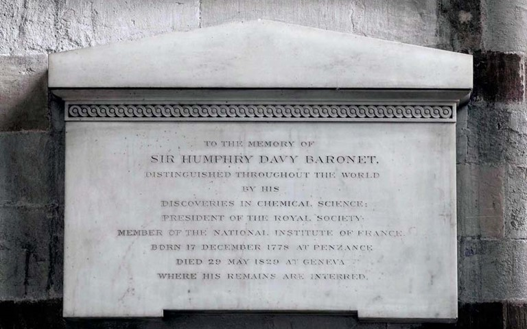 humphry-davy-memorial-westminster-abbey