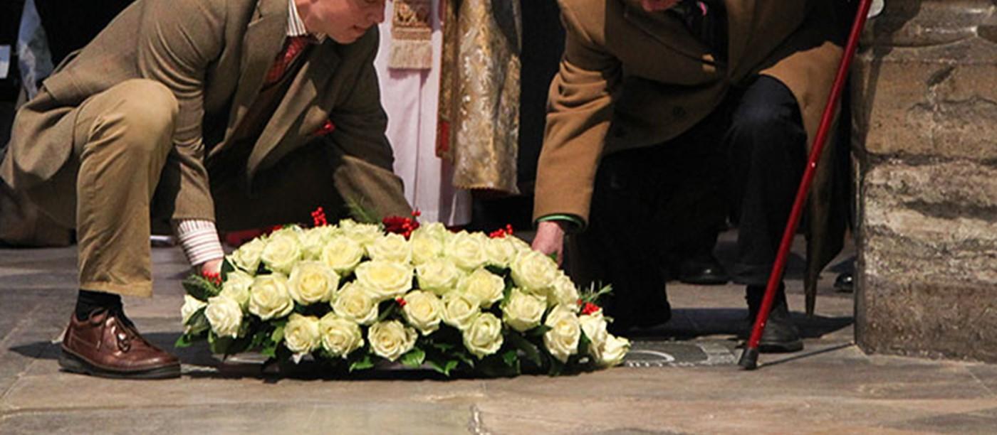 Abbey dedicates memorial to c s lewis westminster abbey abbey dedicates memorial to c s lewis izmirmasajfo