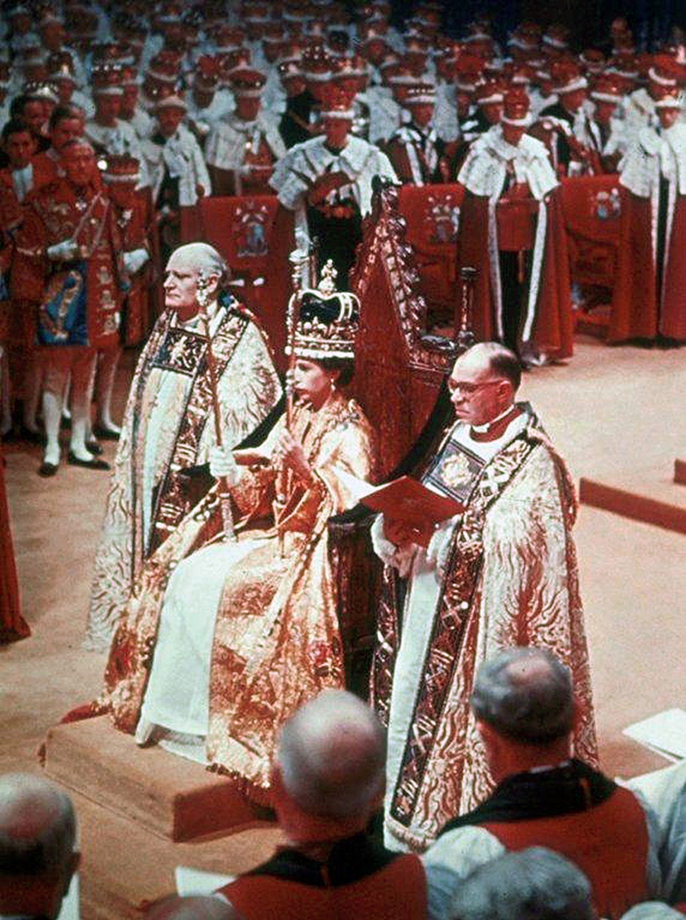 Coronation 1953 - Queen in Chair Getty images copyright.jpg