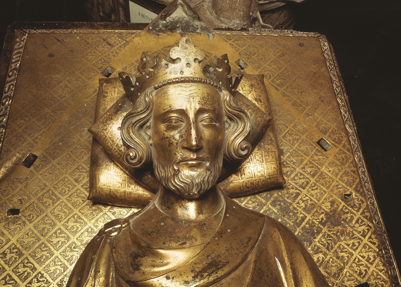 Henry III tomb effigy head & sh (81MB) 300 Westminster Abbey copyright photo.jpg