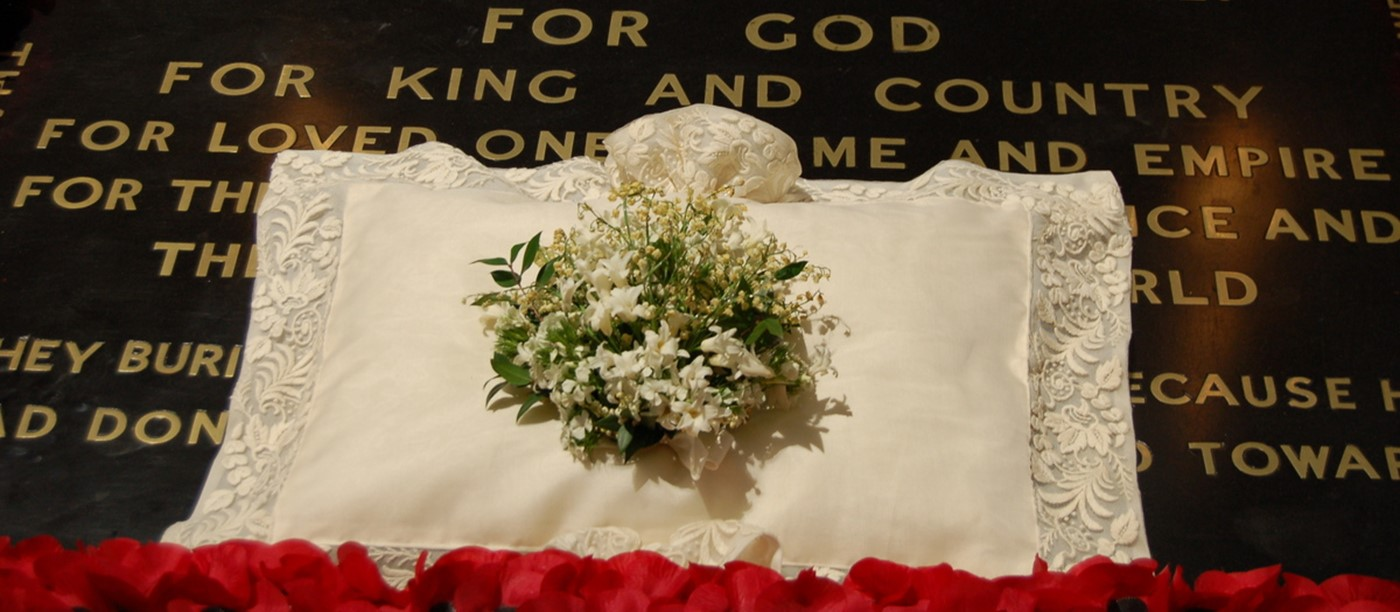 Royal Wedding Bouquet Returned To Abbey To Rest On The Grave Of The