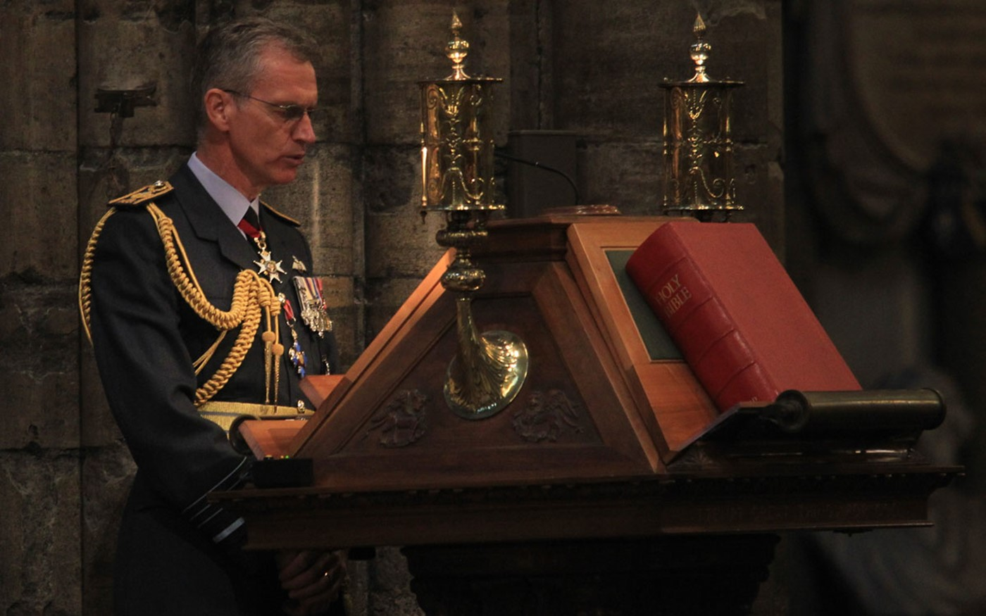 Air Chief Marshal Sir Stephen Hillier reads St Mark 14: 3-11 from the Great Lectern