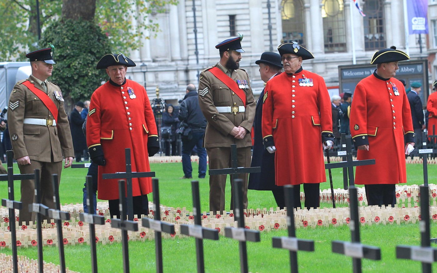 Chelsea Pensioners and Service Personnel view the Field of Remembrance
