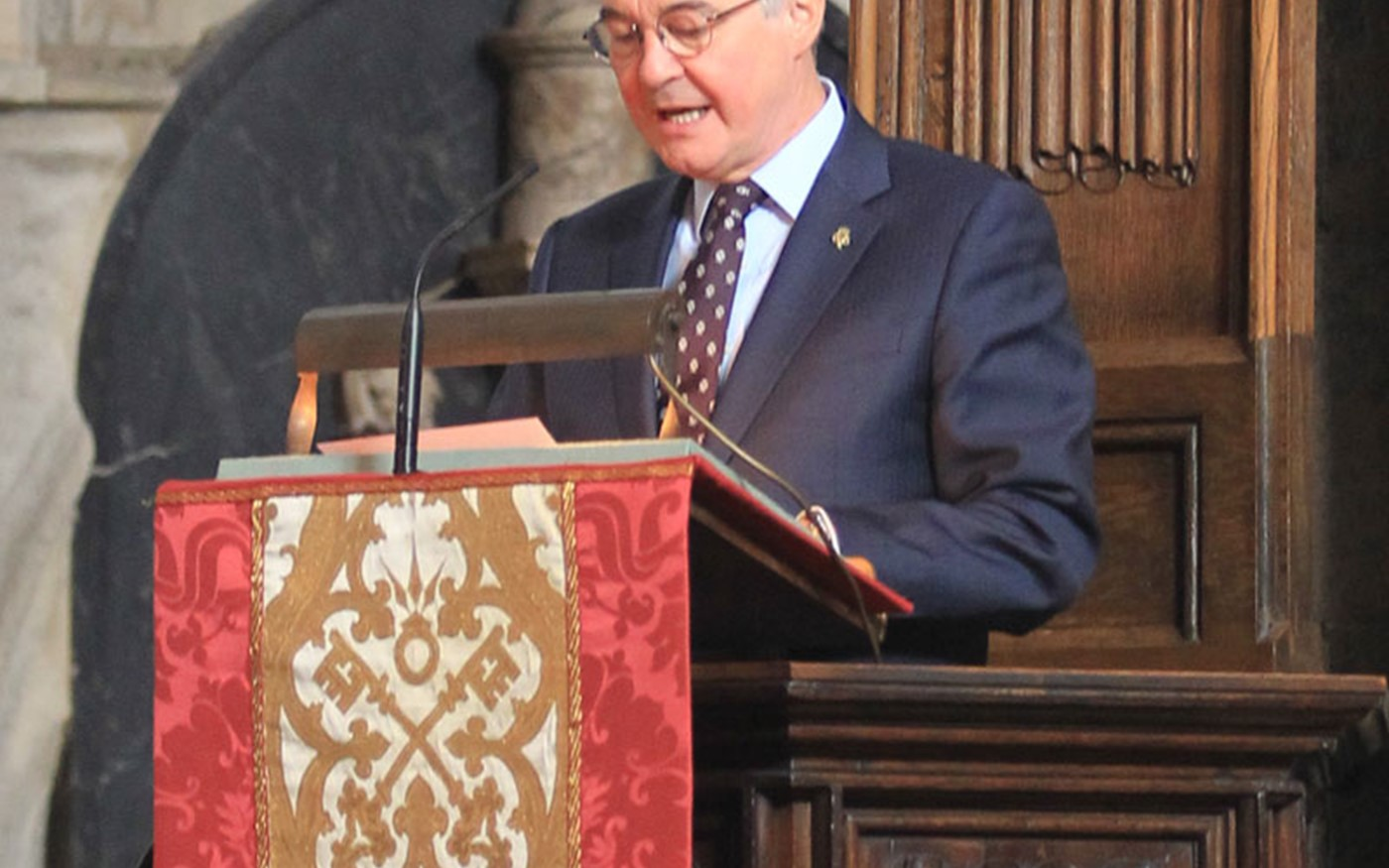 Peter Westgarth, Chief Executive, The Duke of Edinburgh's Award, reads 1 Chronicles 16: 23-34