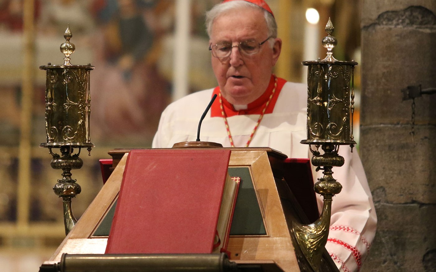 His Eminence Cardinal Cormac Murphy-O'Connor, Archbishop Emeritus of Westminster, read 1 Chronicles 16: 8-13, 23-24