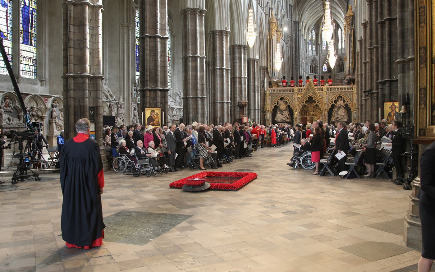 The service begins with a bidding from The Dean of Westminster