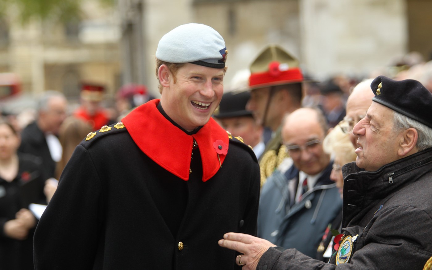 Prince Harry tours the field and meets veterans