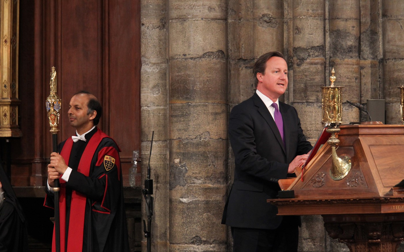 The Prime Minister, the Right Honourable David Cameron MP, read 1 Kings 1: 32-40