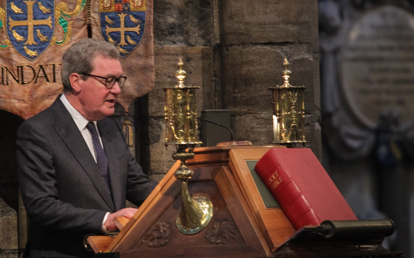 His Excellency the High Commissioner for Australia, The Honourable Alexander Downer AC, reads St John 15: 9-17