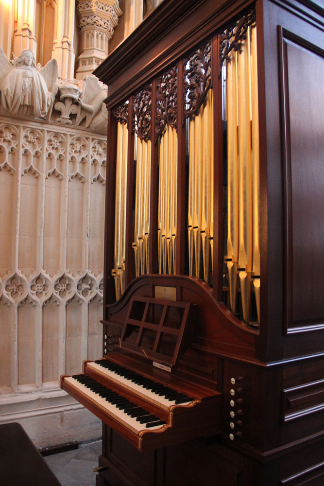 The Queen's organ from the side