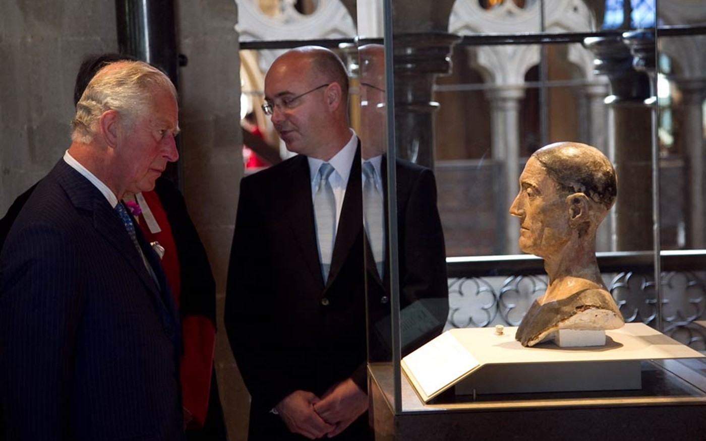 Prince Charles views the effigy head of Henry VII